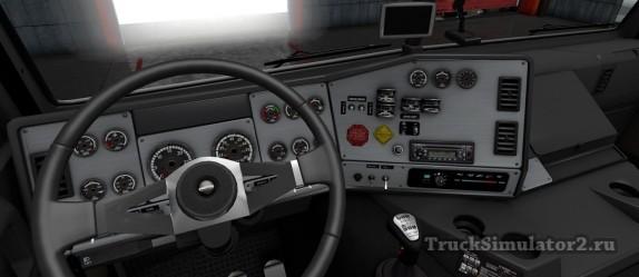 Freightliner FLB - панель приборов
